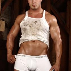 MegaMuscle – Model Brian Woodi Wears Sweat