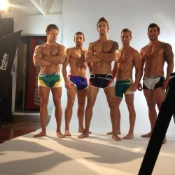 aussieBum Streams LIVE!