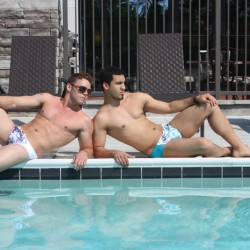 Straight Guy's Speedo Experience – In Public!