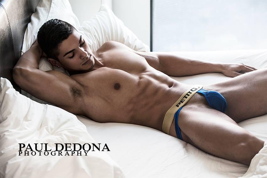 Paul Dedona shoots PetitQ
