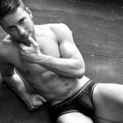UNB Model Profile: Bruin Collinsworth