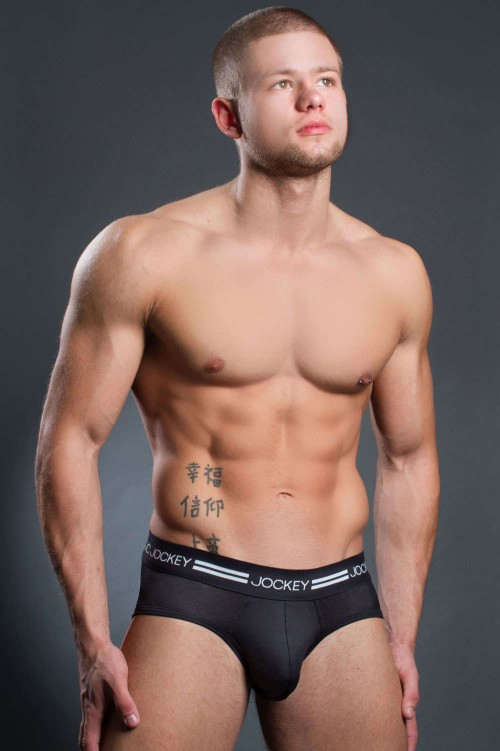 jockey-sports-active-brief-black-front