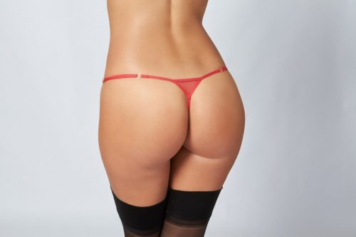 femme-rouge-g-string-close-up-back-web-lg