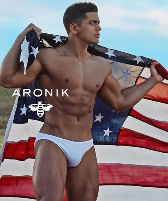 Swimwear Sunday - Wear white with Aronik Swimwear