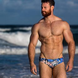 Swimwear Sunday – Men Wear Sluggers is GGGRRR-eat