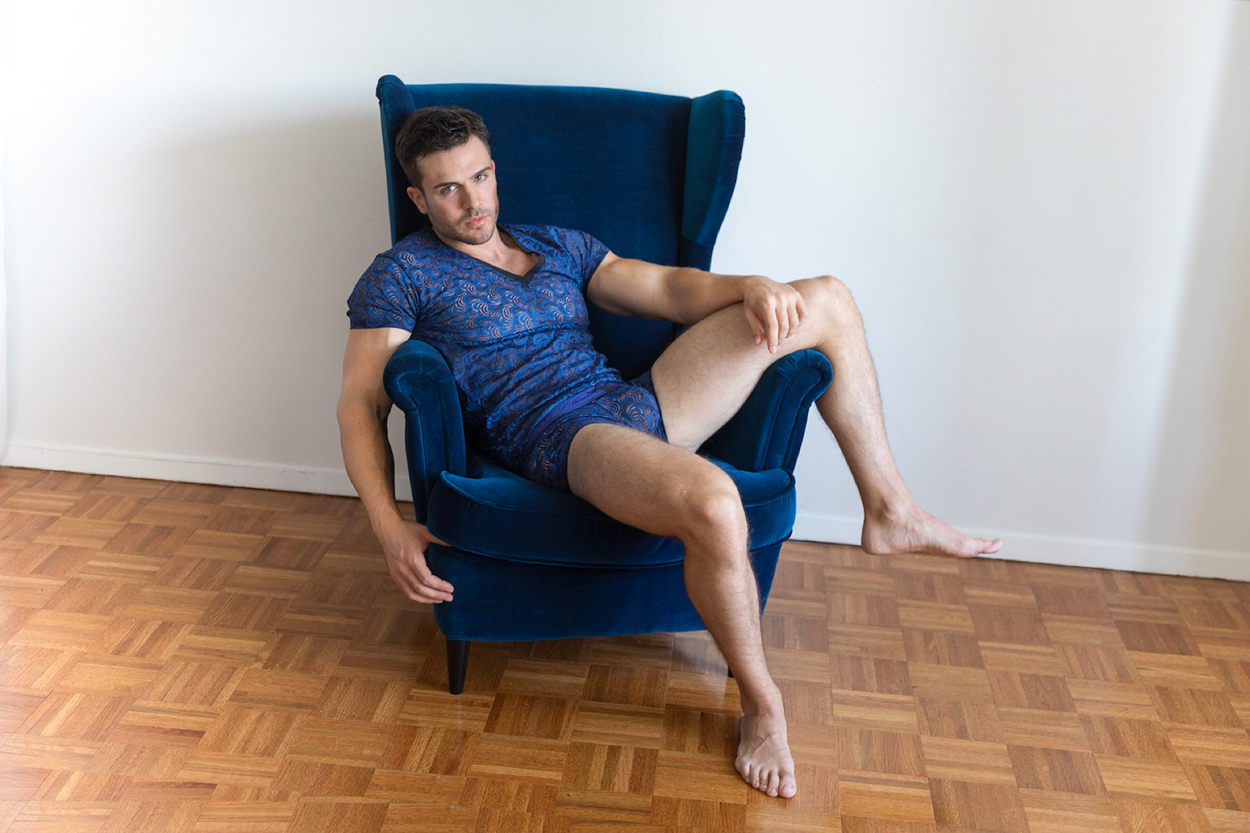 Brief Distraction featuring L'Homme Invisible