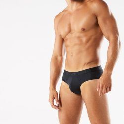 Brief Distraction featuring Intimissimi