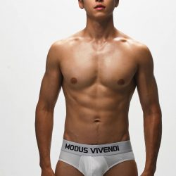 Modus Vivendi – Interview with our model Chenghao