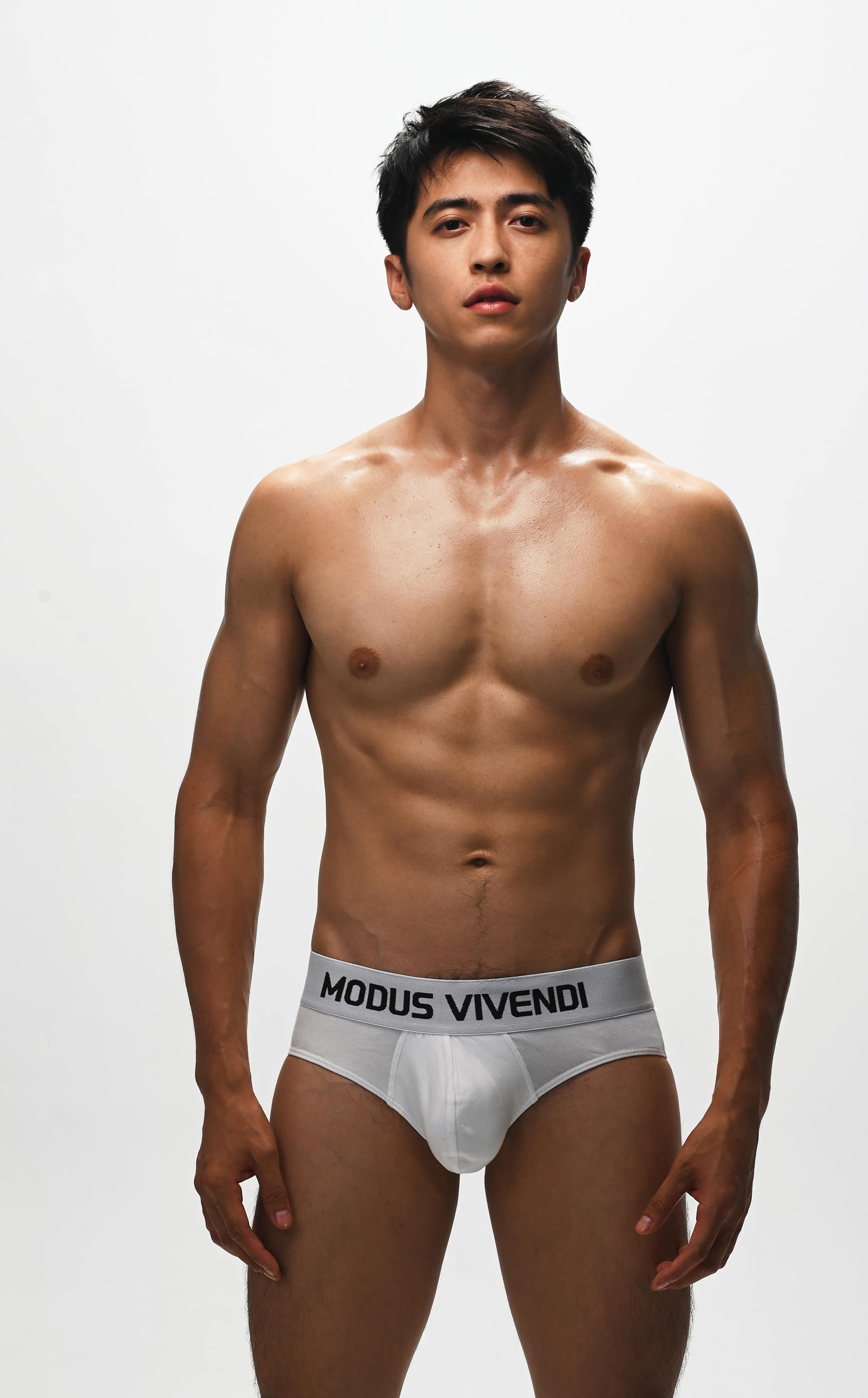 Modus Vivendi - Interview with our model Chenghao