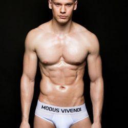 Modus Vivendi Model Interview – Guido Benitez