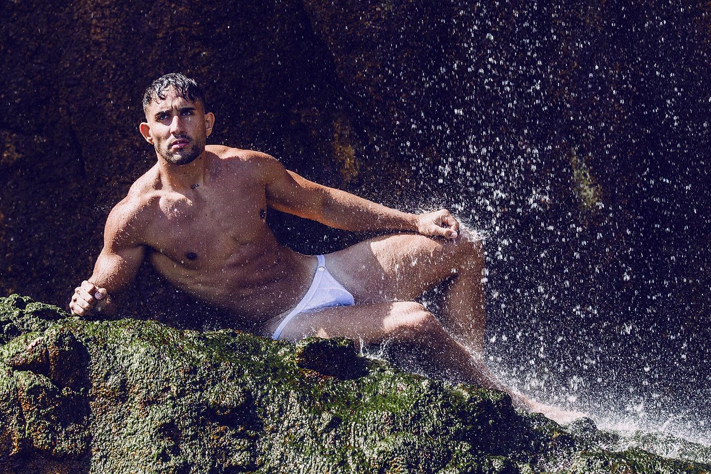 Adrian C. Martin featuring Gonzalo Fernandez