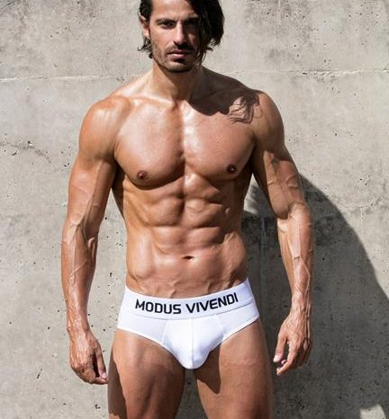 Interview with Modus Vivendi model Isaak Moreno